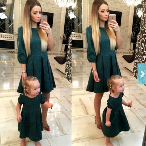 Green Half Sleeve Mother Daughter Matching Dresses for Christmas 1