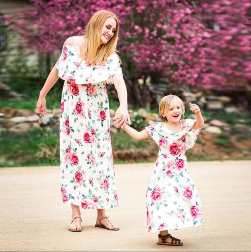 Floral Matching Maxi Dresses for Mother and Daughter 4