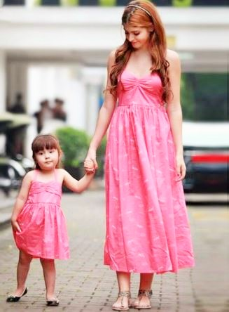 Casual Mother and Daughter Matching Maxi Dresses 1