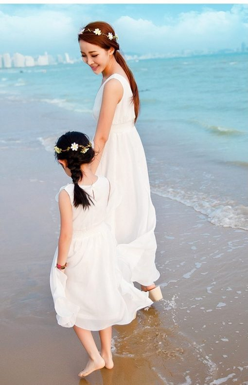 Elegant Mother and Daughter Matching Maxi Dresses 3