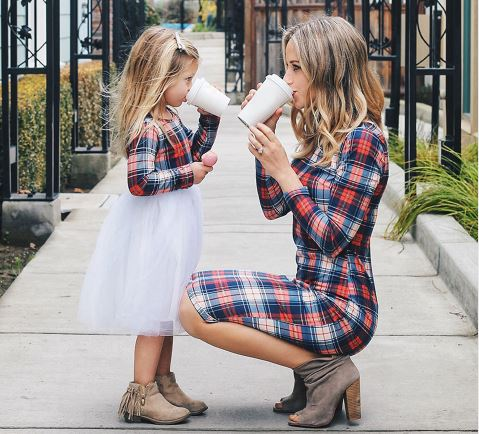 Flattering Matching Mother and Daughter Outfit 1