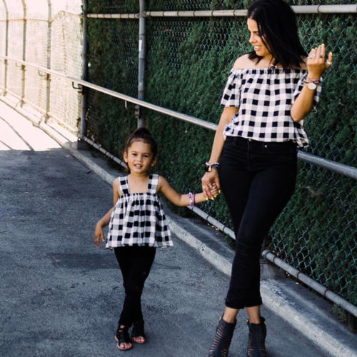 Pretty Matching Mother and Daughter Tops 1
