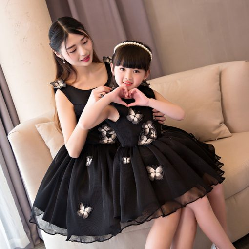 Stylish Mother and Daughter Wedding Dress 1