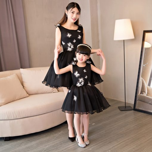 Stylish Mother and Daughter Wedding Dress 2
