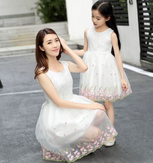 Classy Matching Mommy and Me Wedding Dress 1
