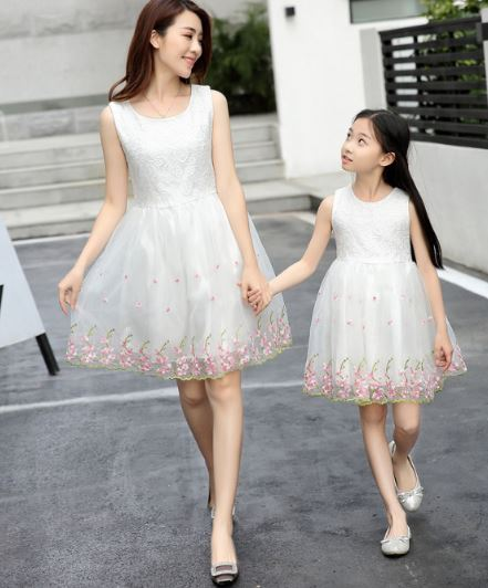 Classy Matching Mommy and Me Wedding Dress 2