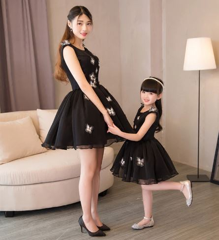 Stylish Mother and Daughter Wedding Dress 3