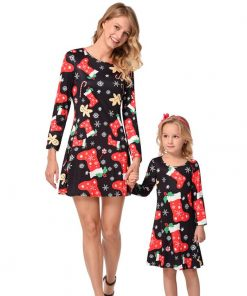 Mommy and Me Christmas Outfits