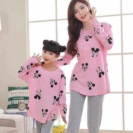Matching Pajamas for Mom and Daughter