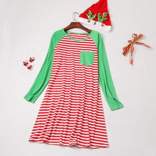 Charming Matching Outfits for Christmas 4